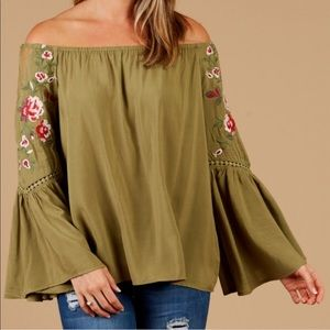 New Altar'd States off the shoulder swing top